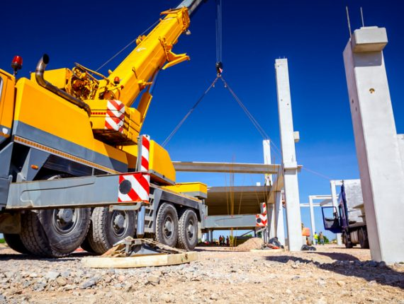 how much does a crane operator make